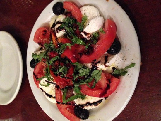 Giacomo's Restaurant: Mozzarella and tomato Caprese Salad.  The roasted red peppers were a great touch as well!!!