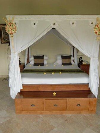 Mandala Desa : bed