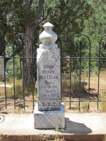Linwood Cemetery: Doc Holliday's grave