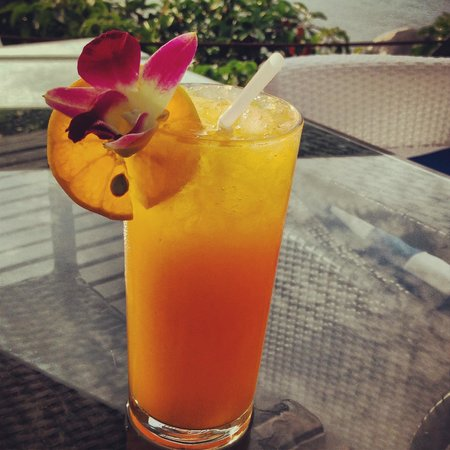 Aminjirah Resort: Orange juice at the pool restaurant