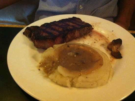 Juicy Lucy's Steakhouse: Steak and potatoes