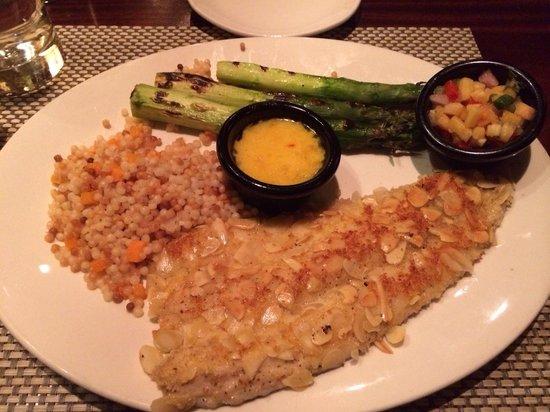 McCormick & Schmick's Seafood - Atlantic City - Harrah's: Trout, couscous and asparagus - bland