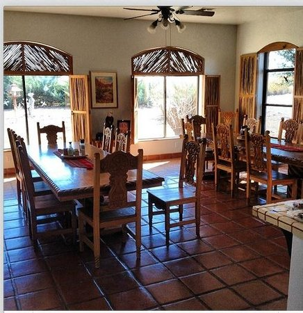 Casa de San Pedro : Dining area where breakfast is served daily.