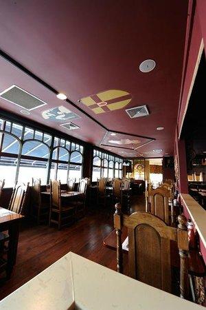 Tir Na Nog Irish Bar & Grill - Baltimore : Main Dining Room
