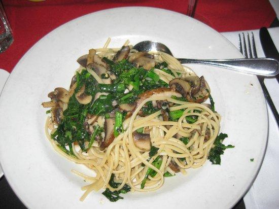 Toni Bulloni's Italian Restaurant : Rapini e funghi