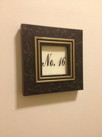 Rosewood Victoria Inn : Room number