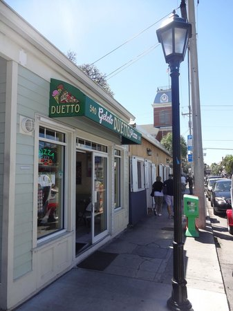 Duetto Pizza and Gelato: Store front