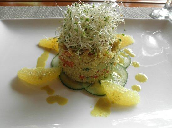 Ylang Ylang Restaurant: Special that day on the vegan raw menu options!  Incredible