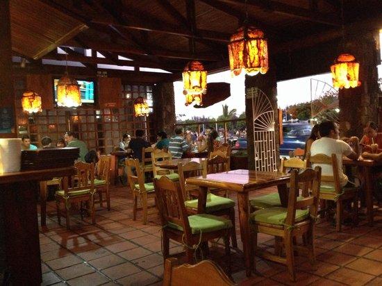 Cafe Hernan Bar Restaurante: Inside the restaurant