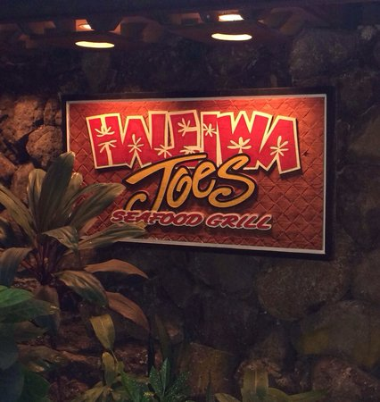 Haleiwa Joe's : Great place for friends and family