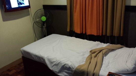 Baguio Holiday Villas : Room