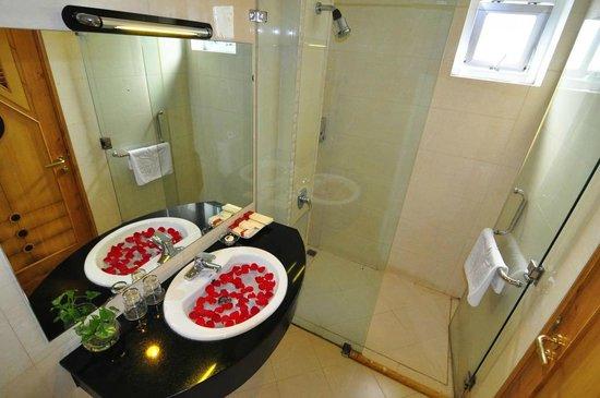 Queen Ann Hotel: Bathroom