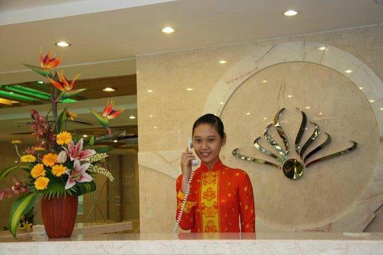 Queen Ann Hotel: Lobby