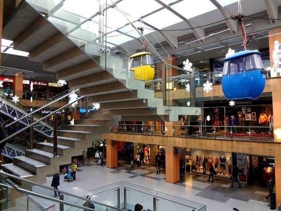 Interior illa carlemany foto di illa carlemany shopping center escaldes engordany tripadvisor - Centre comercial illa ...