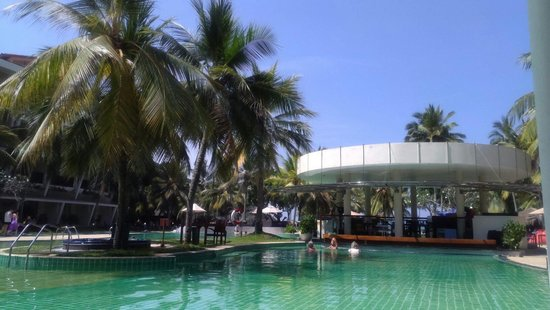 Eden Resort & Spa: Pool Area