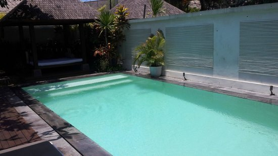 Nunia Boutique Villas : Pool