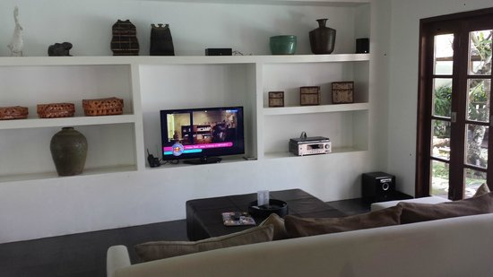 Nunia Boutique Villas : Lounge Tv area