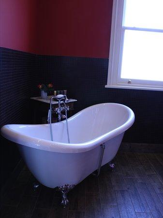 Amado Boutique Hotel: A typical bathroom