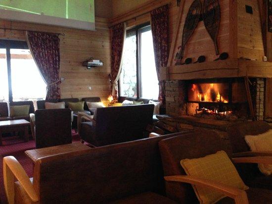 Le Menuire Chalet Hotel & Spa : le salon