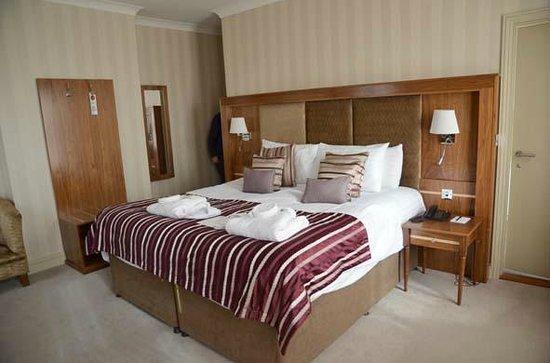 The Pheasant Hotel : Pheasant suite view 1