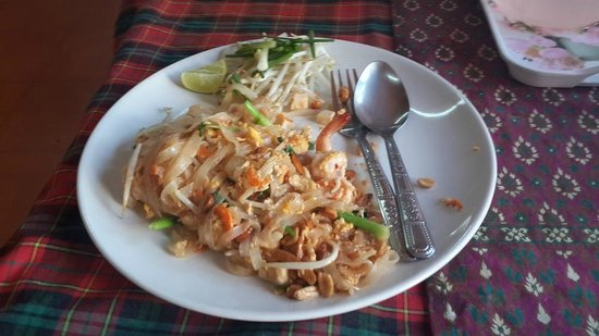 Happy Chef Cooking School: Pad Thai