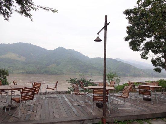 Rai Saeng Arun : Restaurent by the river