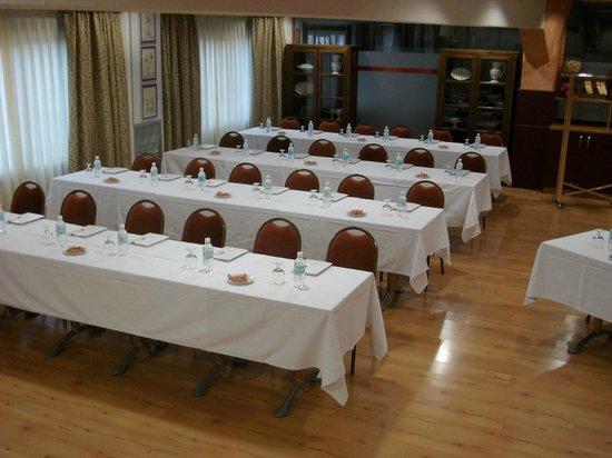 Hotel Palacios: SALON REUNION MONTAJE ESCUELA