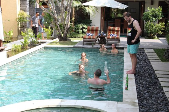 Villa Seriska Satu, Sanur: Fun times in the pool