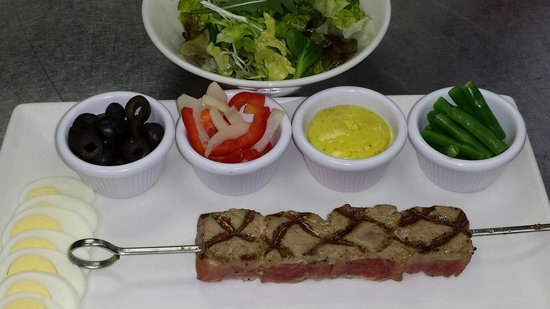 Mulligans: Tuna niccoise salad