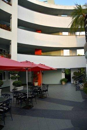 The Carlyle Inn: Vue depuis la cour intérieure