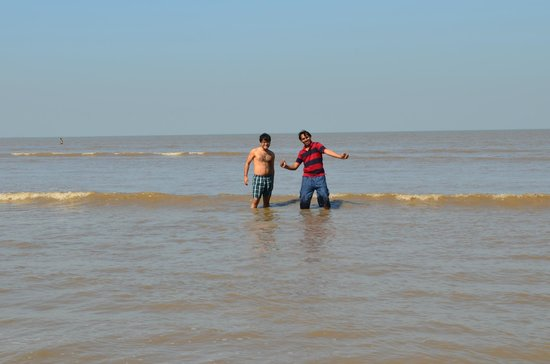 Jampore Beach: Clean and Clear beach in Daman