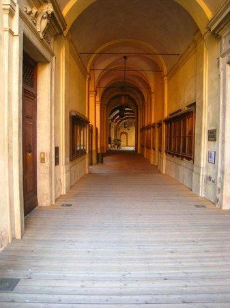 Piazza Maggiore : Porticos