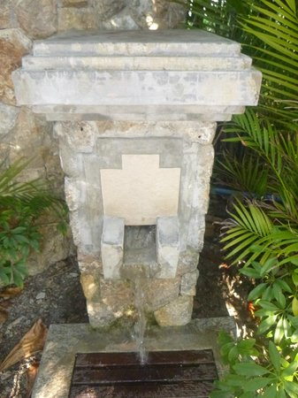 Pimalai Resort and Spa: Outdoor foot/sand cleaning shower
