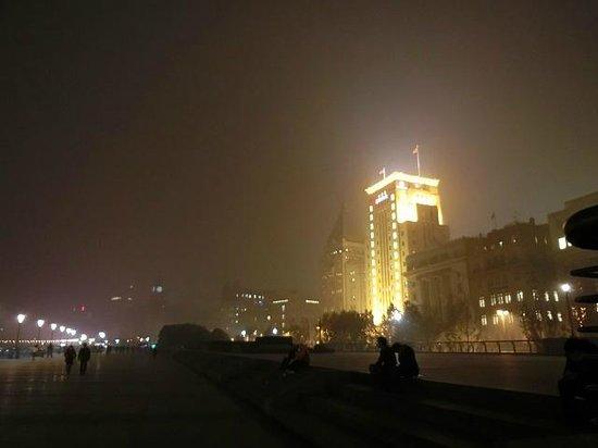 Bund International Architecture Exhibition: PM2.5がひどい日