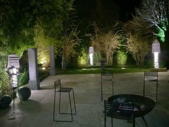 foto de le jardin des remparts beaune le jardin des remparts tripadvisor. Black Bedroom Furniture Sets. Home Design Ideas