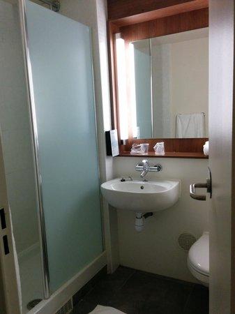 Campanile Paris Sud - Porte D'Orleans - Arcueil: Salle de bain
