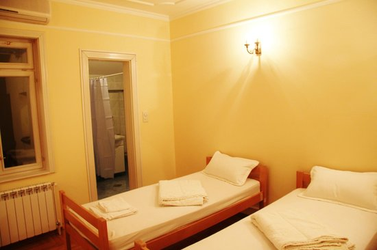 Azzul Hostel: Double room ( Private shower + wc)
