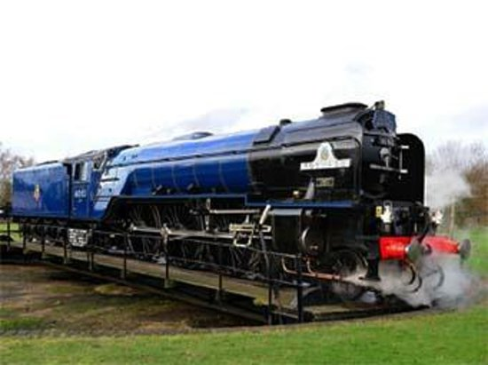 Didcot Railway Centre: Tornado on the Turntable