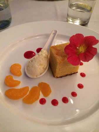 The Brantry : Almond cake
