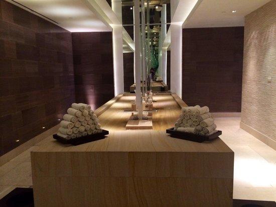 Secrets The Vine Cancun: Lobby bathroom