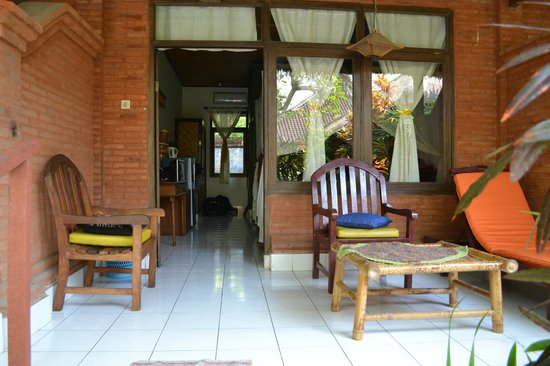Sanur Beach Villas : Front of our room