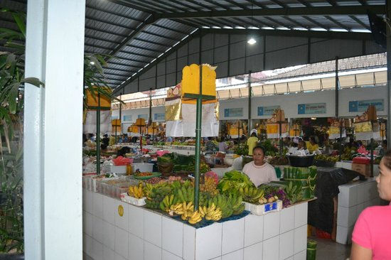 Sanur Beach Villas: Local market for cooking class