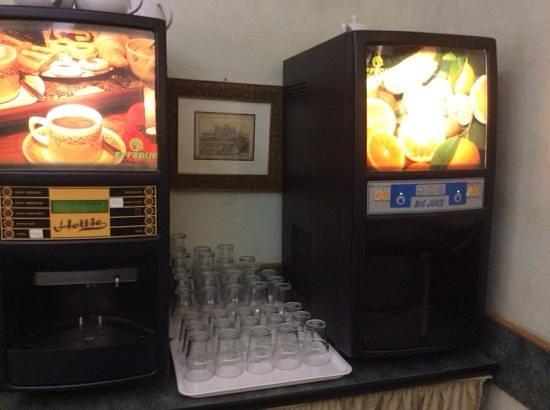 Hotel Continentale : macchine che erogano bevande liofilizzate