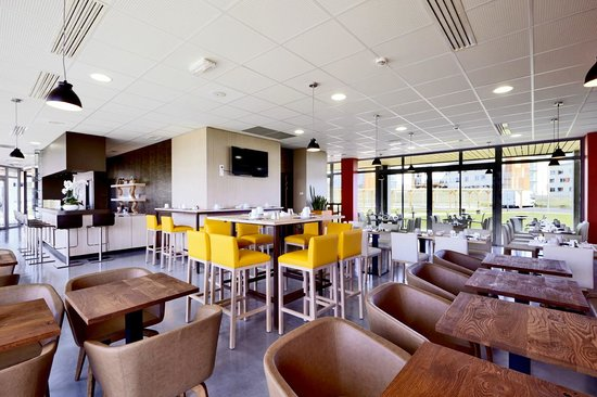 Kyriad Prestige Dijon Nord - Valmy : Salle de Petits Déjeuners