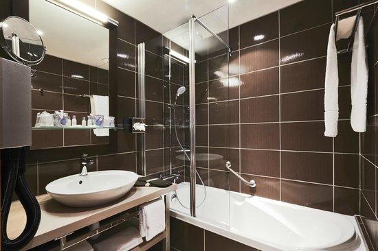 Kyriad Prestige Dijon Nord - Valmy: salle de bain