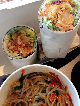 K-Roll: Rolls and sea food noodles