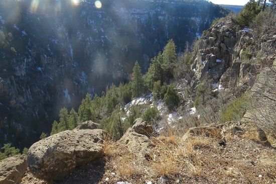 Oak Creek Vista Overlook: Cool & Chilly down in the Valley