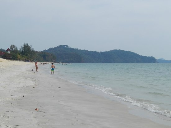 The Frangipani Langkawi Resort & Spa: Beach at the front of the hotel