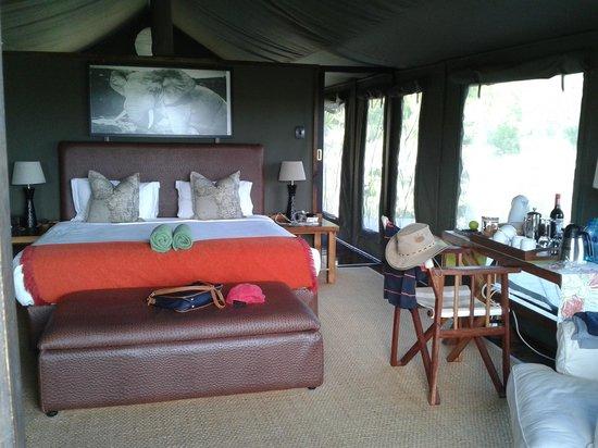 HillsNek Safaris, Amakhala Game Reserve : Chambre parentale accolée à une autre chambre