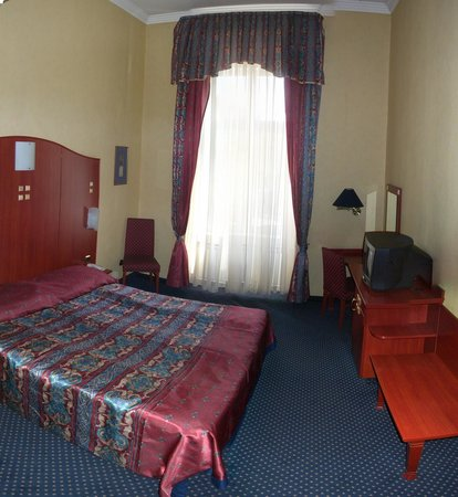 Leo Panzio Hotel : Sunshiny double room